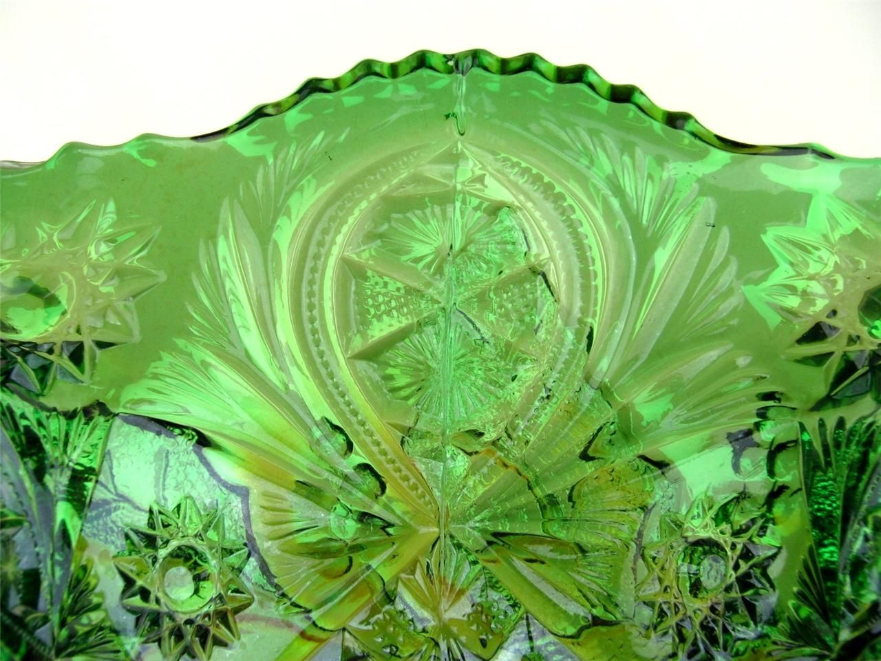 HOLLY WHIRL by MILLERSBURG ~ RADIUM GREEN CARNIVAL GLASS SIX RUFFLE 10